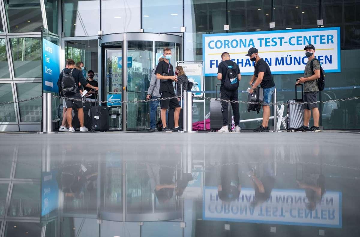 Das Corona-Test-Center auf dem Münchener Flughafen. Foto: dpa/Lino Mirgeler