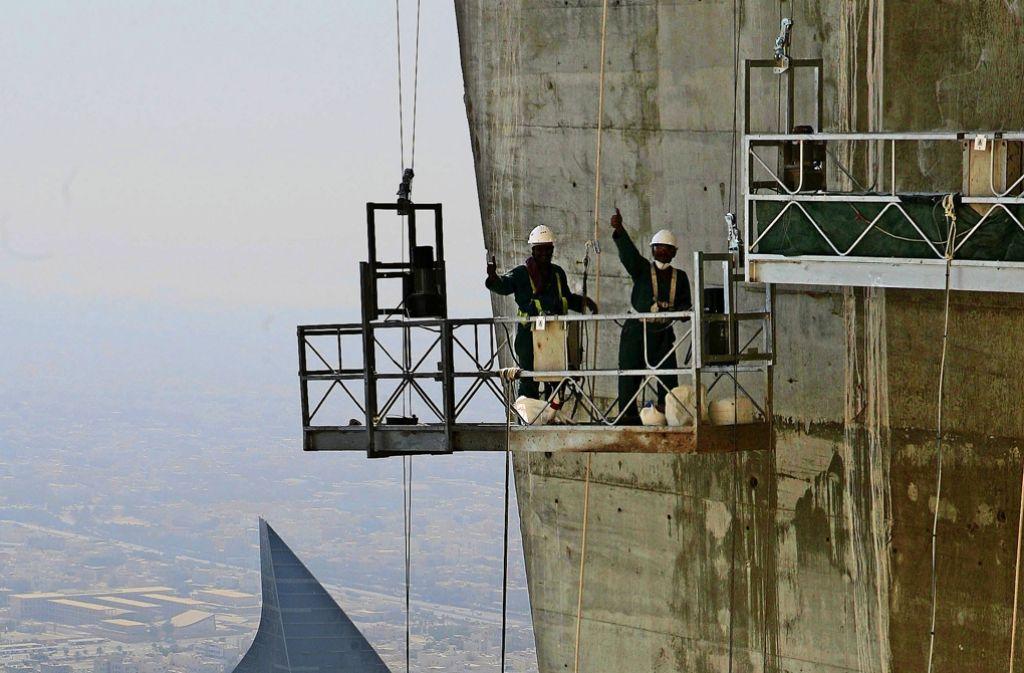 Wenn es zu  Baustellenunfällen in Kuwait kommt, sind  Stuttgarter Ärzte gefragte Ansprechpartner. Foto: AFP,