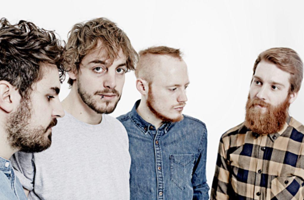 Vom Stehen und Fallen ist das erste richtige Album der Stuttgarter Band Heisskalt. Sie besteht aus ... Foto: Ben Wolf