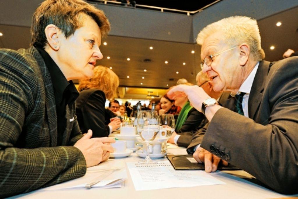 Die grüne Chefin der Bundestagsfraktion Renate Künast ist aus Berlin gekommen, um in Biberach Winfried Kretschmann Schützenhilfe zu geben. Foto: dapd