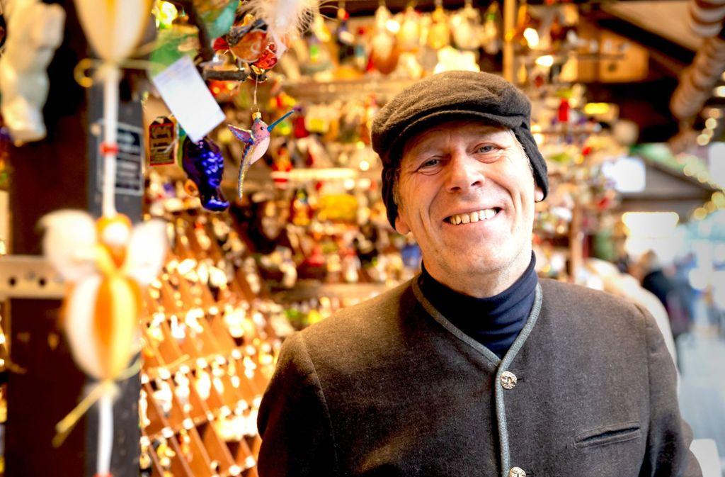Karl-Heinz Regele stand  als Kind auf dem Stuttgarter Weihnachtsmarkt. Foto: Lg/ Rettig