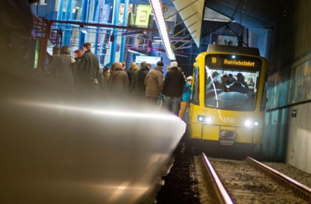 Großer Bahnhof bei der Präsentation der neuen Stadtbahn. Foto: Martin Stollberg