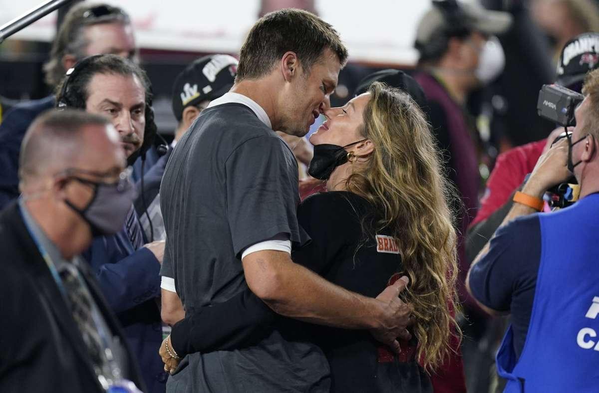 Im Glück: Tom Brady mit seiner Frau, Supermodel Gisele Bündchen. Foto: dpa