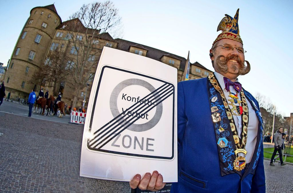 Thomas Klingenberg steht am Ende der Konfetti-Verbotszone. Foto: Lichtgut/Leif Piechowski