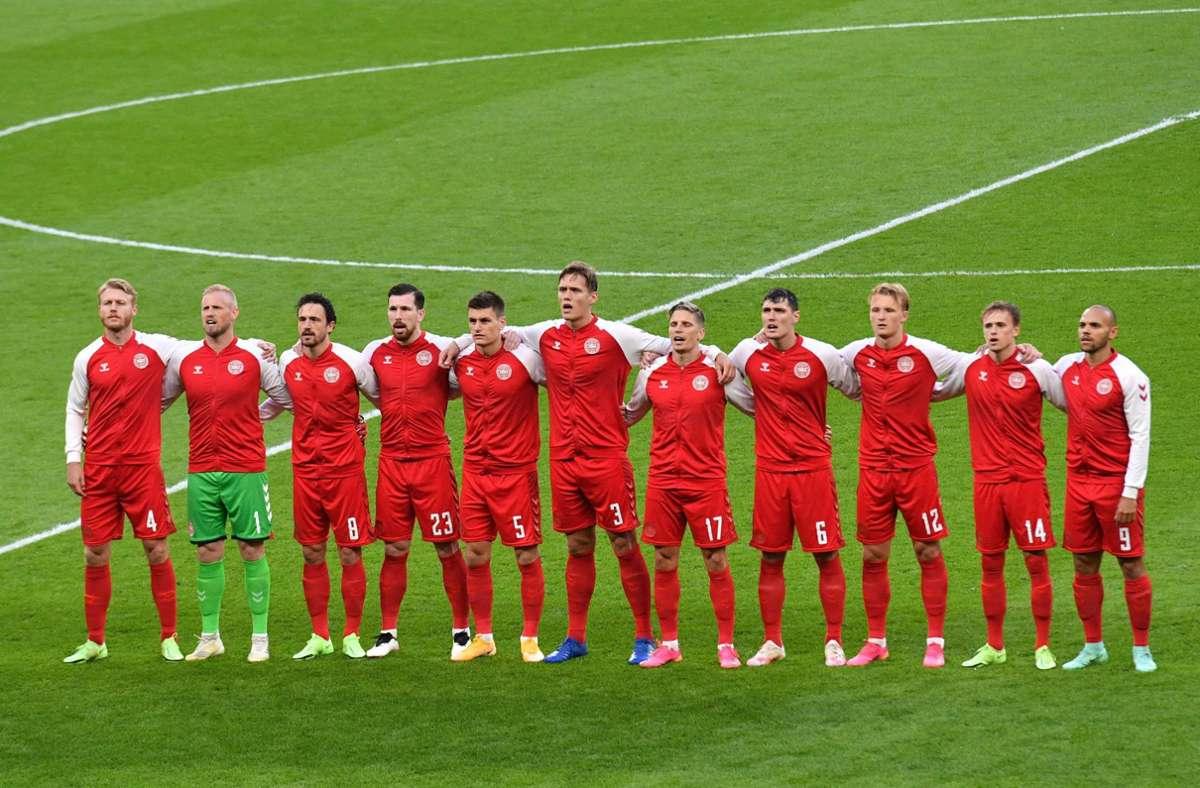 Bei der dänischen Hymne waren viele Pfiffe im Stadion zu hören. Foto: AFP/JUSTIN TALLIS