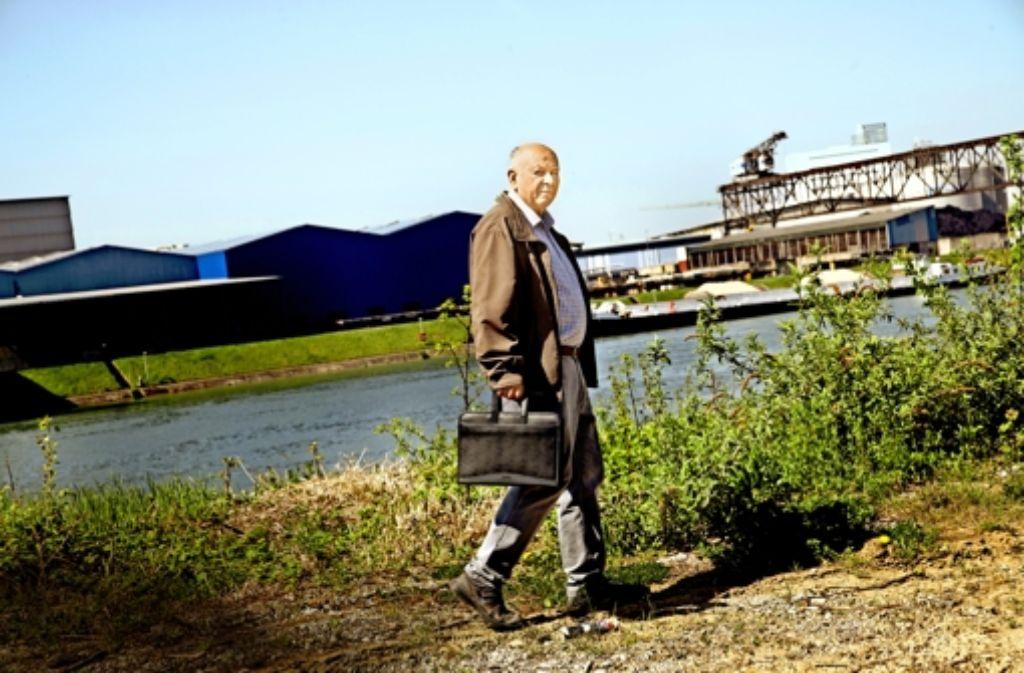 Peter Donath in der Kesslergrube. Der Rentner ist Gutachter der Bürgerinitiative   Grenzach-Wyhlen. Foto: Silke Wernet