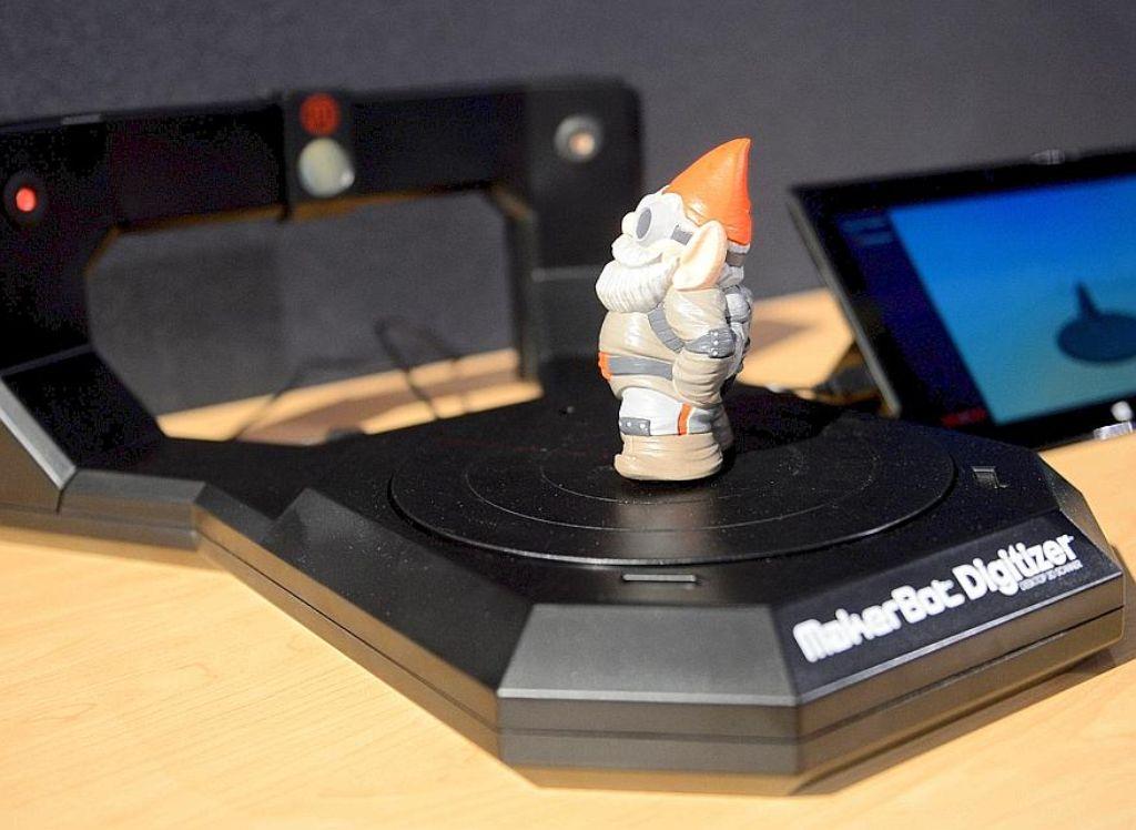 Ein Gartenzwerg aus dem 3D-Drucker - das geht schon heute. In Zukunft sollen auch intelligente Produkte ausgedruckt werden können. Foto: dpa
