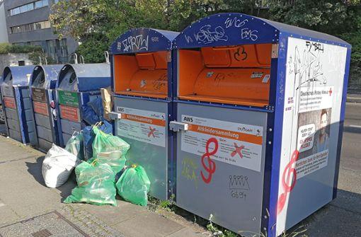 Kleidersammler kämpfen gegen illegalen Müll
