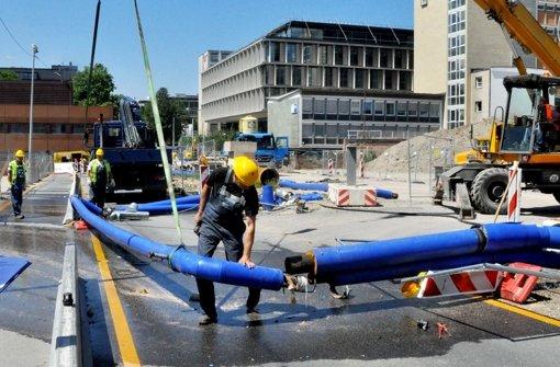 Im Juni hat ein Lastwagen die Rohrkonstruktion umgerissen, damals war der Rost von außen sichtbar. Foto: dpa