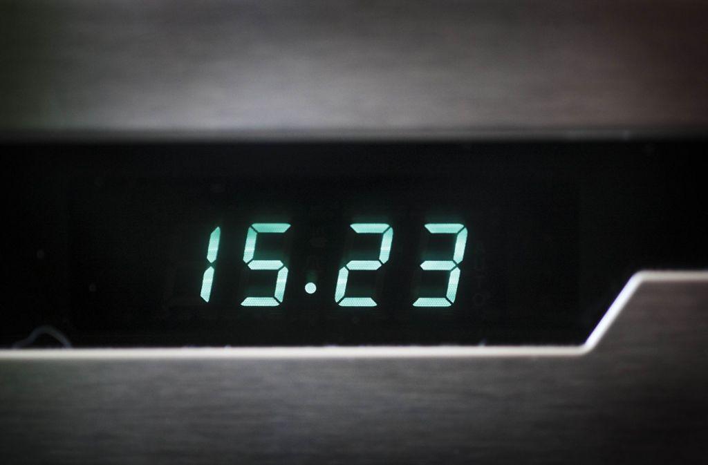 Bald könnten die Uhren an elektronischen Geräten wieder im normalen Takt gehen. Foto: stoppel