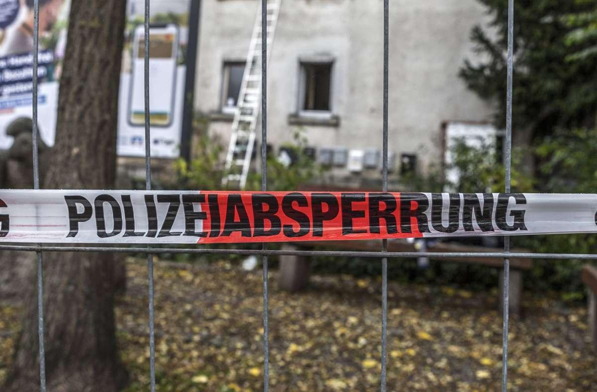 Auch den Nachbarn ist aufgefallen, dass in den beiden Häusern in der Nürtinger Schafstraße besonders viele  Menschen lebten. Foto: 7aktuell.de/Daniel Jüptner