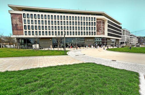 Größter Platz am Flugfeld eingeweiht