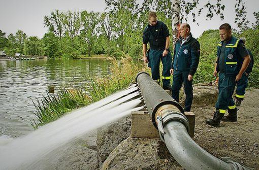 Im Kampf gegen den Sauerstoffmangel im Max-Eyth-See