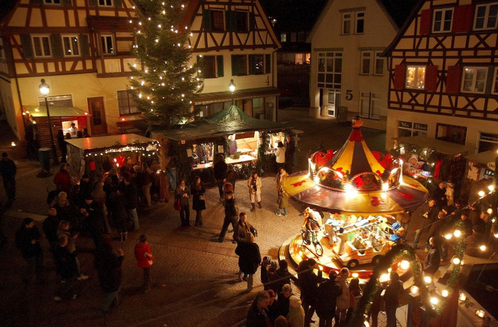 Der Weihnachtsmarkt in Waldenbuch zeichnet sich durch den besonderen Altstadtcharme aus. Foto: Stadt Waldenbuch/z