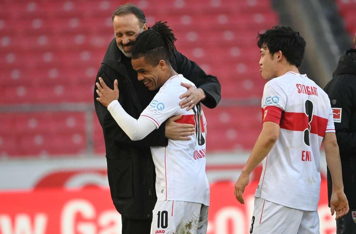 Pellegrino Matarazzo und der VfB Stuttgart haben gegen den FC Schalke 04 5:1 gespielt. Foto: dpa/Sebastian Gollnow