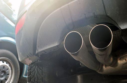 Gabriel und Zetsche gegen Diesel-Aus