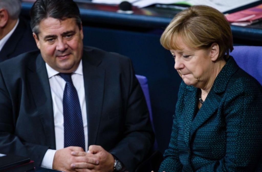 """Vizekanzler Sigmar Gabriel scheint das """"weitgehend entspannte"""" Regieren mit Kanzlerin Angela Merkel zu gefallen. Foto: AFP"""