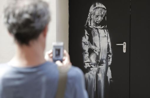 Gestohlene Banksy-Tür aus Bataclan in Italien aufgetaucht