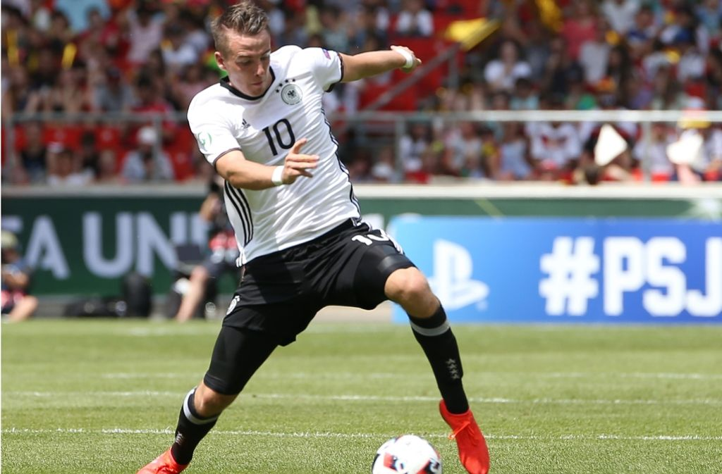 Max Besuschkow vom VfB Stuttgart und die deutschen U19-Junioren wollen den ersten Sieg bei der EM einfahren. Wir haben den Liveticker für Sie. Foto: Pressefoto Baumann
