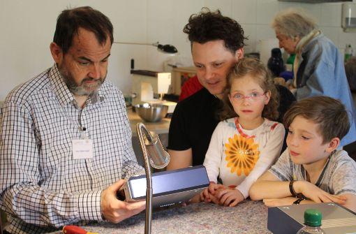 Experten reparieren Kultobjekt und Toaster