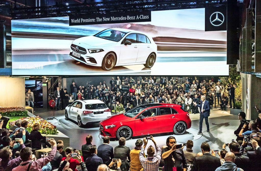 In Amsterdam hat die neue A-Klasse von Mercedes-Benz vor kurzem Weltpremiere gefeiert. Nun steht sie in Genf erstmals auf einer Messe  im Rampenlicht. Foto: Daimler