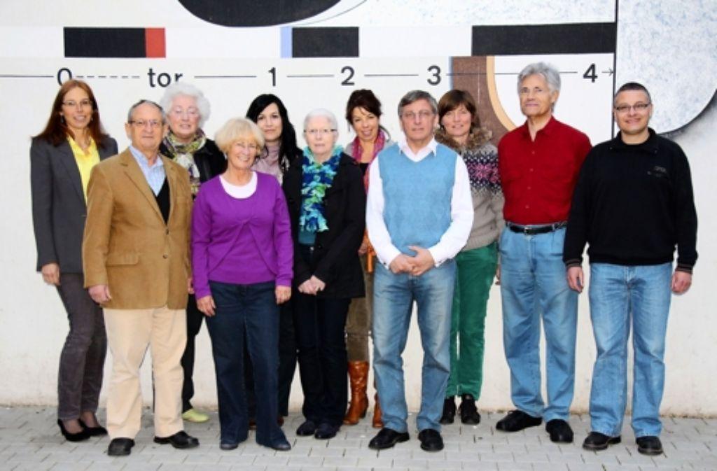 13 Ehrenamtliche (beim Fototermin waren nur elf anwesend) Foto: z