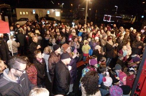 Hunderte singen gemeinsam