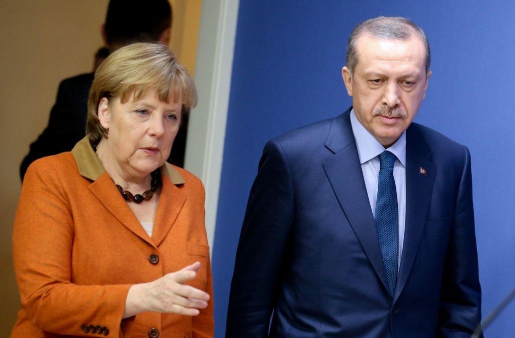 Das bisher letzte Treffen von Merkel und Erdogan im Februar Foto: dpa