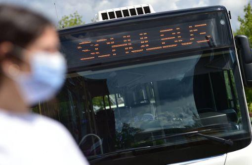 Busfahrer fordert zu Maskenverzicht auf - Polizei warnt