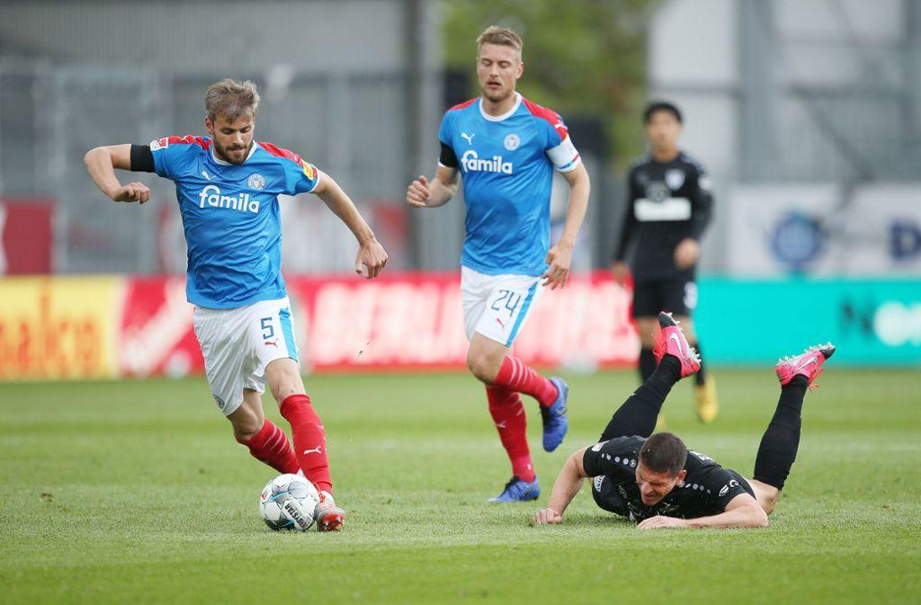 Bei Holstein Kiel hat der VfB Stuttgart 2:3 verloren. Unsere Redaktion bewertet die Leistungen der VfB-Profis wie folgt. Foto: Pressefoto Baumann/Cathrin Müller