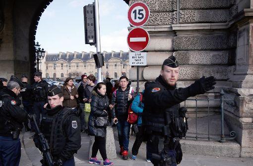 Lage am Museum Louvre entspannt sich