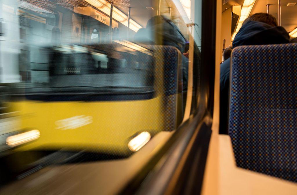 Verkehrsexperten fordern den massiven Ausbau des ÖPNV. Foto: Lichtgut/Max Kovalenko
