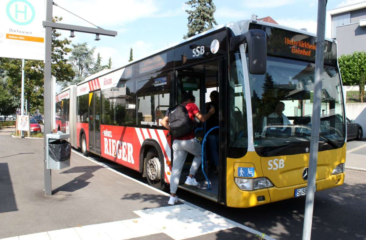 Die Stadt Stuttgart muss noch hunderte Bushaltestellen barrierefrei gestalten. Foto: /Eva Herschmann