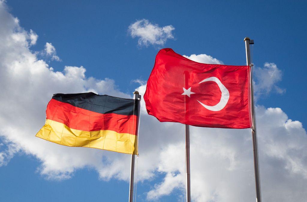 Zwei Imame aus Baden-Württemberg klagen gegen ihre Entlassung aus Ditib-Moscheegemeinden. Foto: dpa