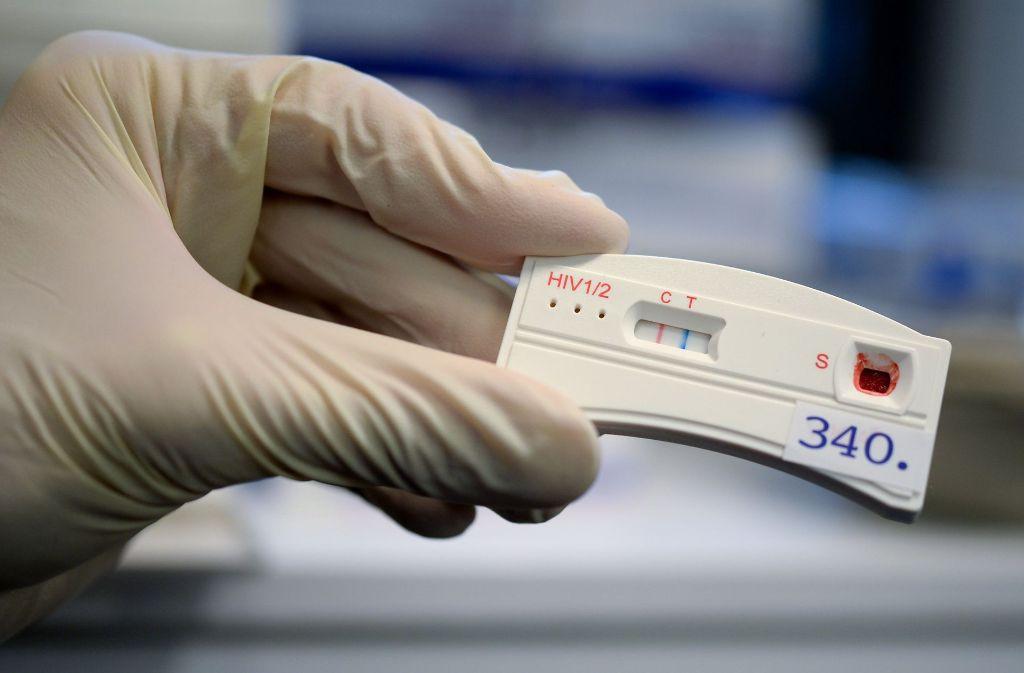 Italiener muss wegen vorsätzlicher HIV-Ansteckung dutzender Frauen lange in Haft