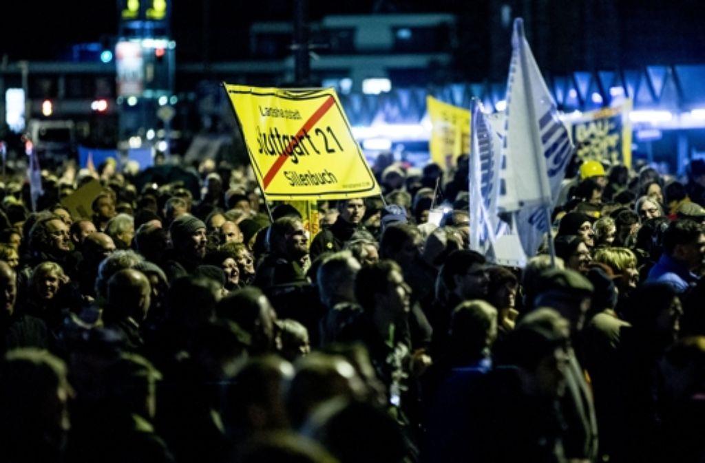 Stuttgart-21-Gegner fordern, die Diskussion über die Pläne für den Abschnitt am Flughafen öffentlich fortzusetzen. Foto: Achim Zweygarth