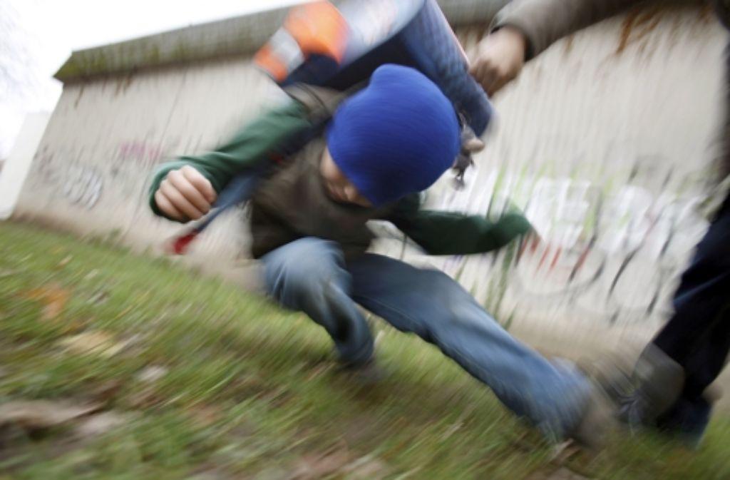 Raufereien und Mobbing auf dem Schulhof Foto: dpa
