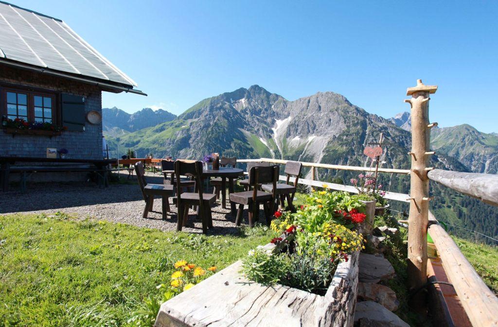 An der Alpe Kuhgehren im Wandergebiet an der Kanzelwand sollte man nicht ohne Einkehr vorübergehen  Foto: Kleinwalsertal Tourismus eGen