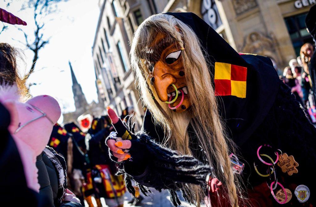 Gruselige Masken sind ein Markenzeichen der hiesigen Narren. Foto: Lichtgut/Max Kovalenko