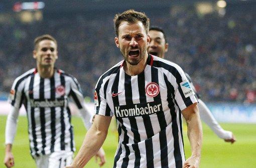 Eintracht besiegt BVB im Verfolgerduell