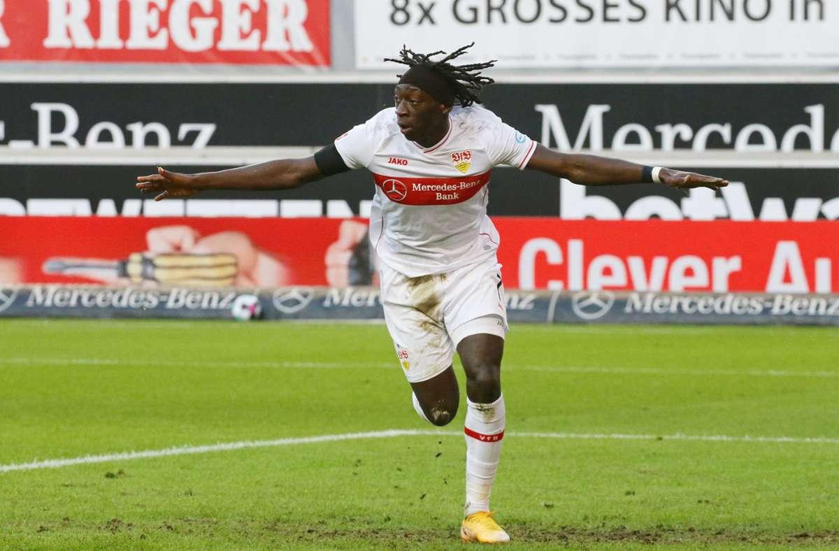 Tanguy Coulibaly trifft erstmals für den VfB in der Bundesliga – doch sein Tor reicht dem VfB nicht für mehr. Am Ende eines couragierten Auftritts steht eine 1:3-Niederlage. Foto: Baumann