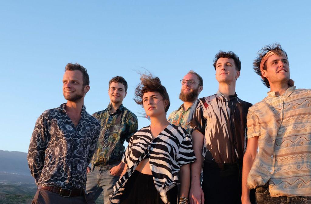 Die sechs Musiker von RasgaRasga überzeugen Fans und Kritiker gleichermaßen. Foto: privat