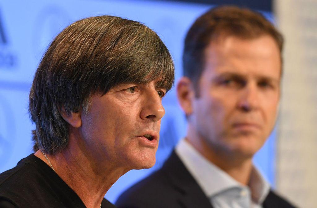 Joachim Löw (links) und Oliver Bierhoff präsentierten ihre lange erwartete WM-Analyse. Foto: dpa