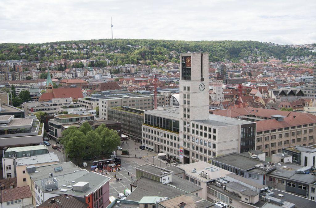 Wo befindet sich dieses Rathaus?. Das erkennt fast jeder. Doch wie sieht es mit anderer Rathäusern in der Region Stuttgart aus. Testen Sie Ihr Wissen in einem kleinen Quiz, das sich in der Bildergalerie befindet. Foto: dpa/Marijan Murat