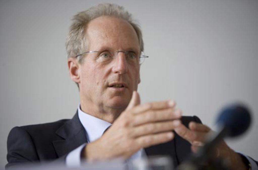 Wolfgang Schuster ist die Koalitionsvereinbarung beim Thema Volksentscheid nicht konkret genug. Foto: Michael Steinert