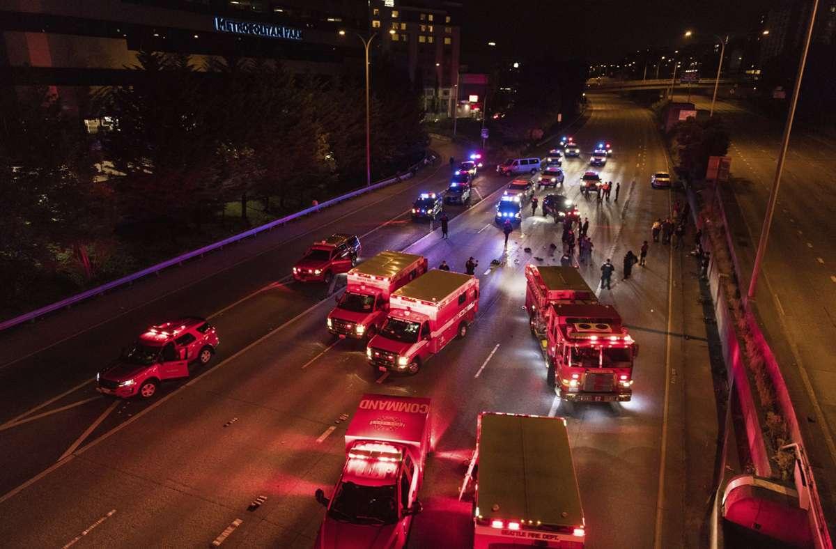 Zwei Frauen wurden bei einer Demonstration in Seattle überfahren. Foto: AP/James Anderson