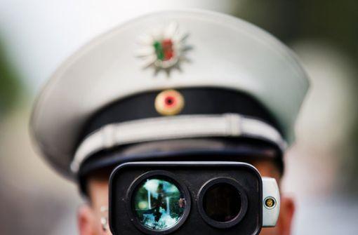 Polizei erwischt etliche Raser im Pragtunnel