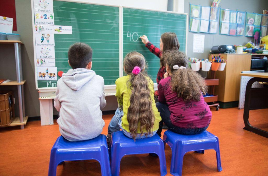 Rechnen steht neben Deutsch auf den Stundenplänen der Grundschule ganz oben. Foto: dpa