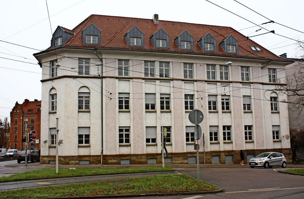 In dem einstigen Büro-Gebäude sollen 40 Wohnungen entstehen. Foto: Christoph Kutzer