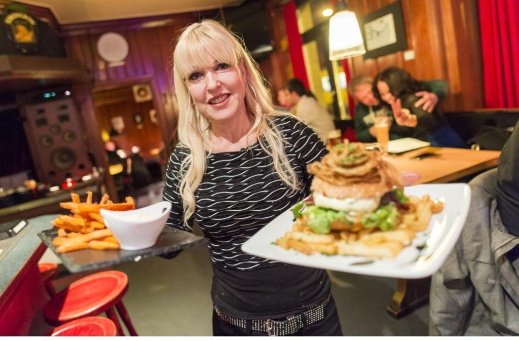 In unserem Gastroführer 10x10 haben wir die zehn besten Adressen für Essen nach 22 Uhr   getestet. Das Bonnie and Clyde (Bild) gehört dazu. Foto: Martin Stollberg